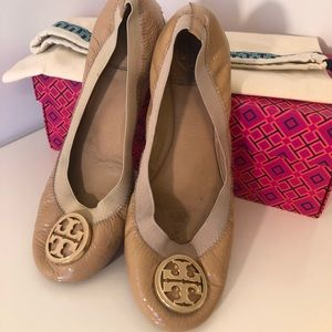Tory Burch women's flats 7.5 nude patent leather